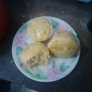 Apple strudel muffins in small plate