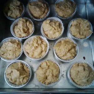 Double apple muffin sudah masuk cetakan