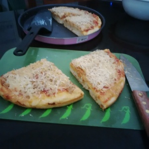 Pizza tuna pedas