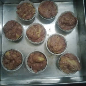 Adonan blueberry muffin siap dioven